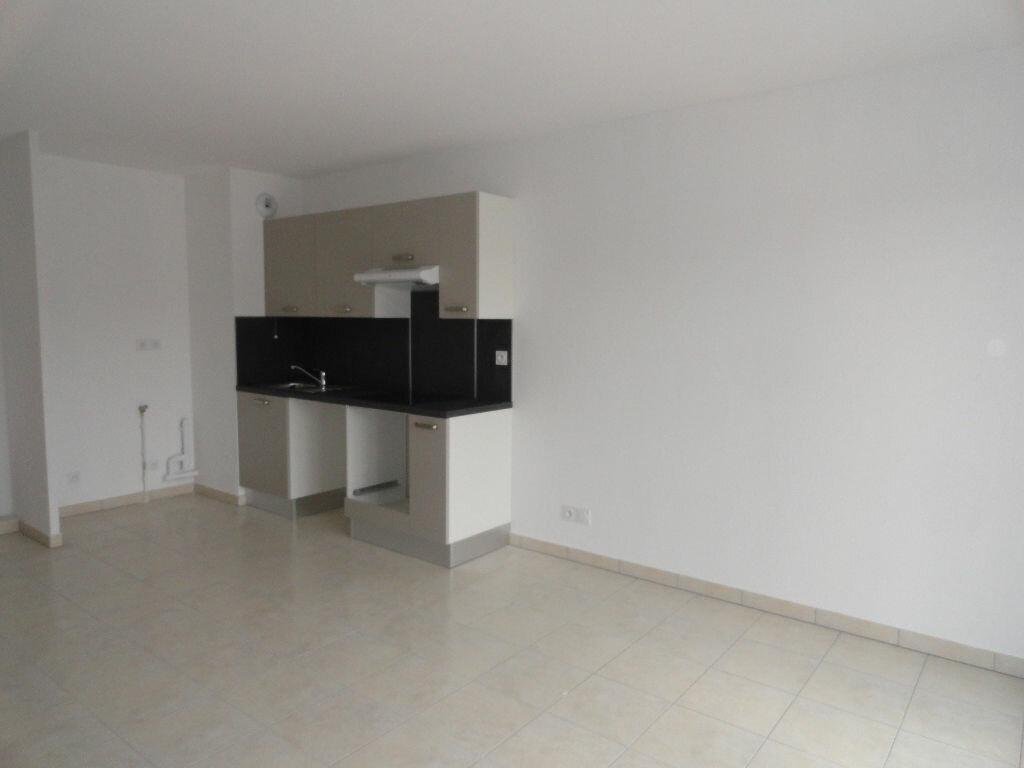 Appartement à louer 2 41.19m2 à Avignon vignette-2