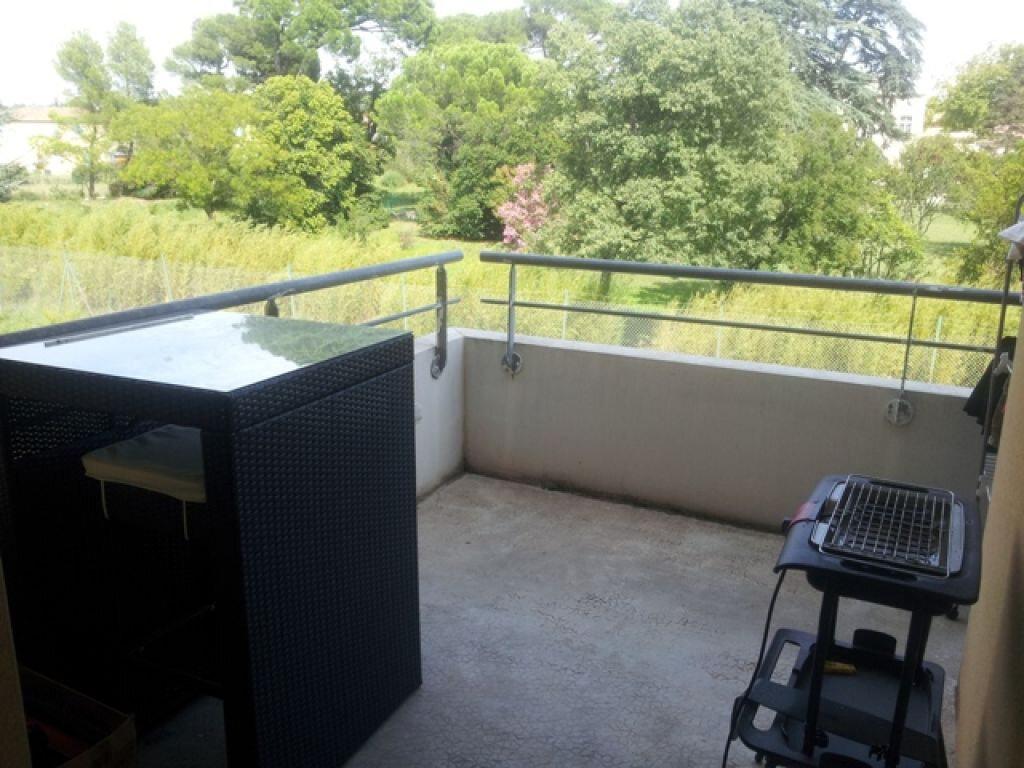 Appartement à louer 2 41.72m2 à Morières-lès-Avignon vignette-2