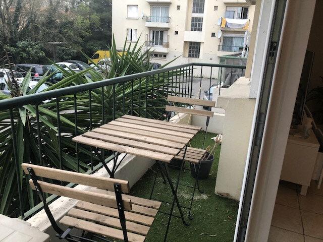 Appartement à louer 3 65m2 à Avignon vignette-2