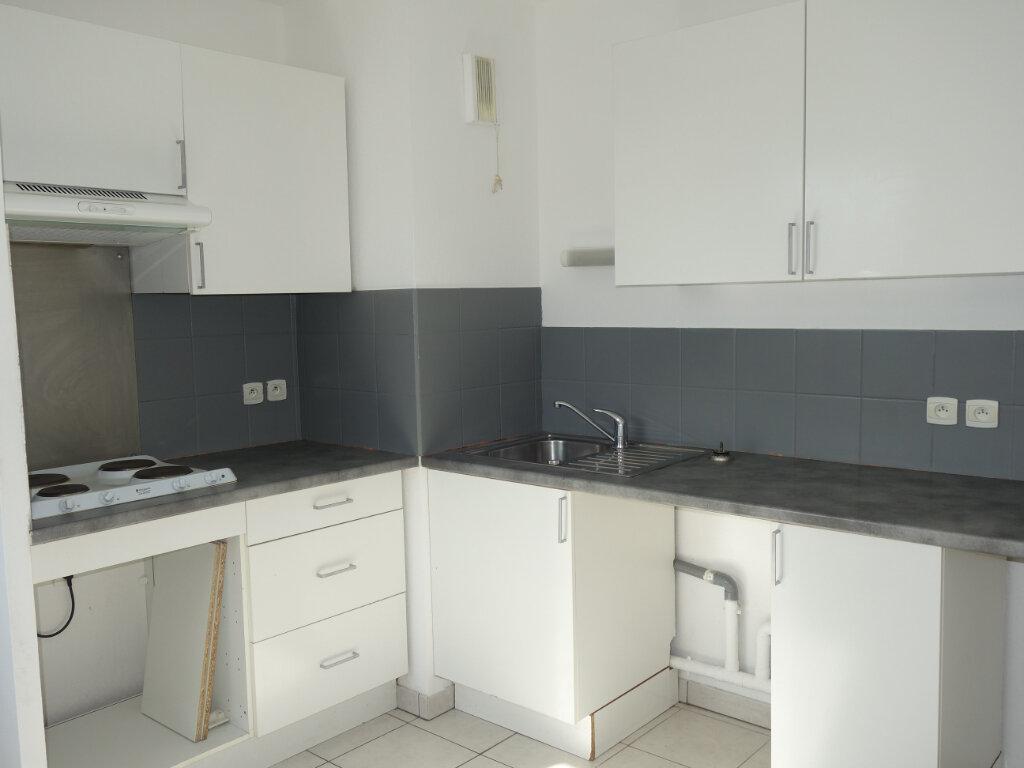 Appartement à louer 3 63m2 à Avignon vignette-2