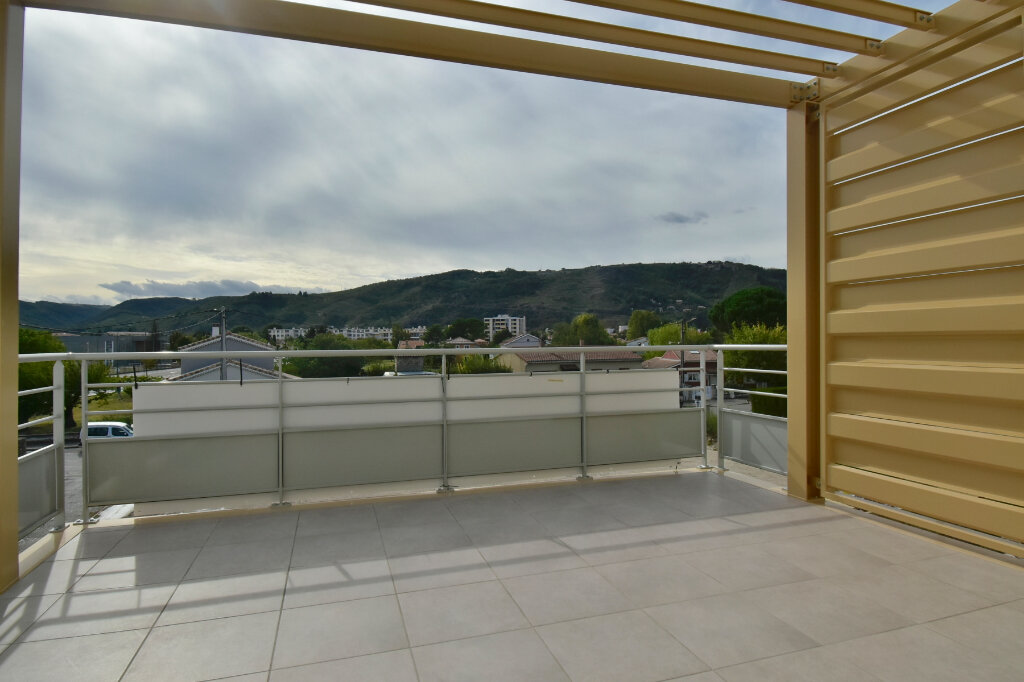 Appartement à vendre 3 63.6m2 à Tournon-sur-Rhône vignette-1