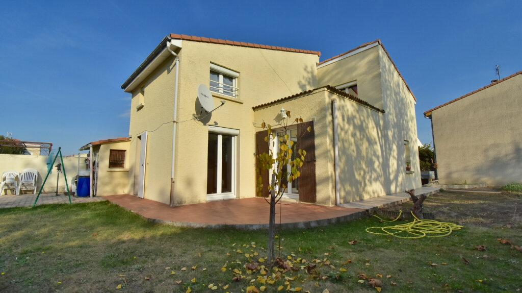 Maison à vendre 6 110m2 à Tournon-sur-Rhône vignette-2