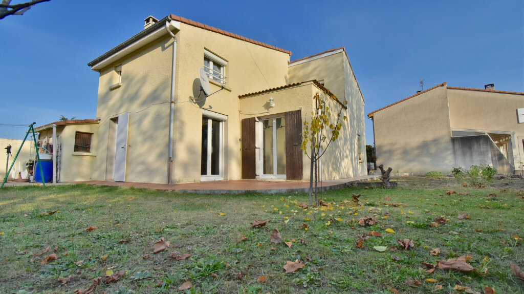 Maison à vendre 6 110m2 à Tournon-sur-Rhône vignette-3