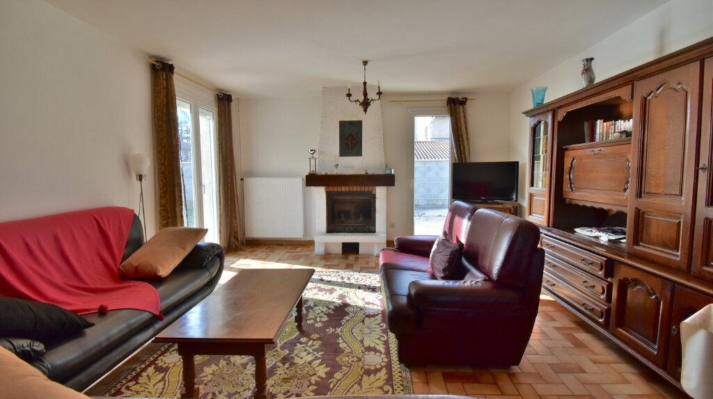 Maison à vendre 6 110m2 à Tournon-sur-Rhône vignette-5