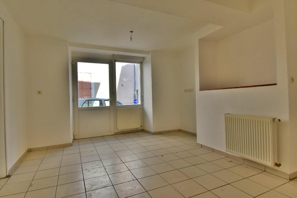Appartement à louer 2 29m2 à Tournon-sur-Rhône vignette-1