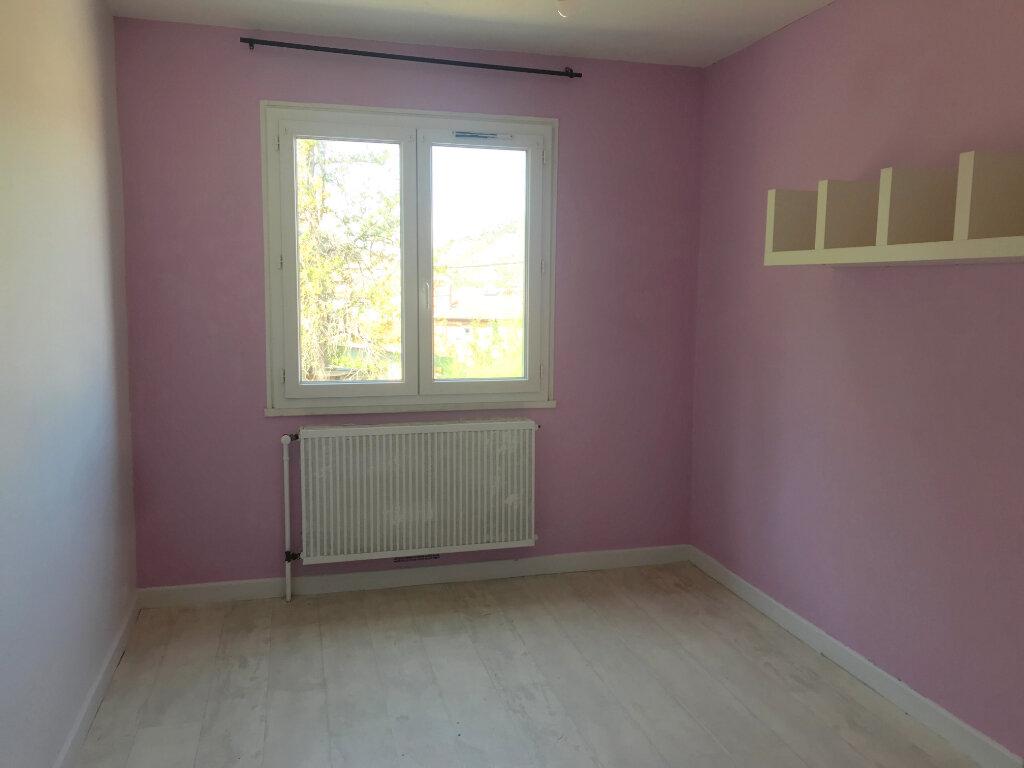 Appartement à louer 4 77.04m2 à Tournon-sur-Rhône vignette-5