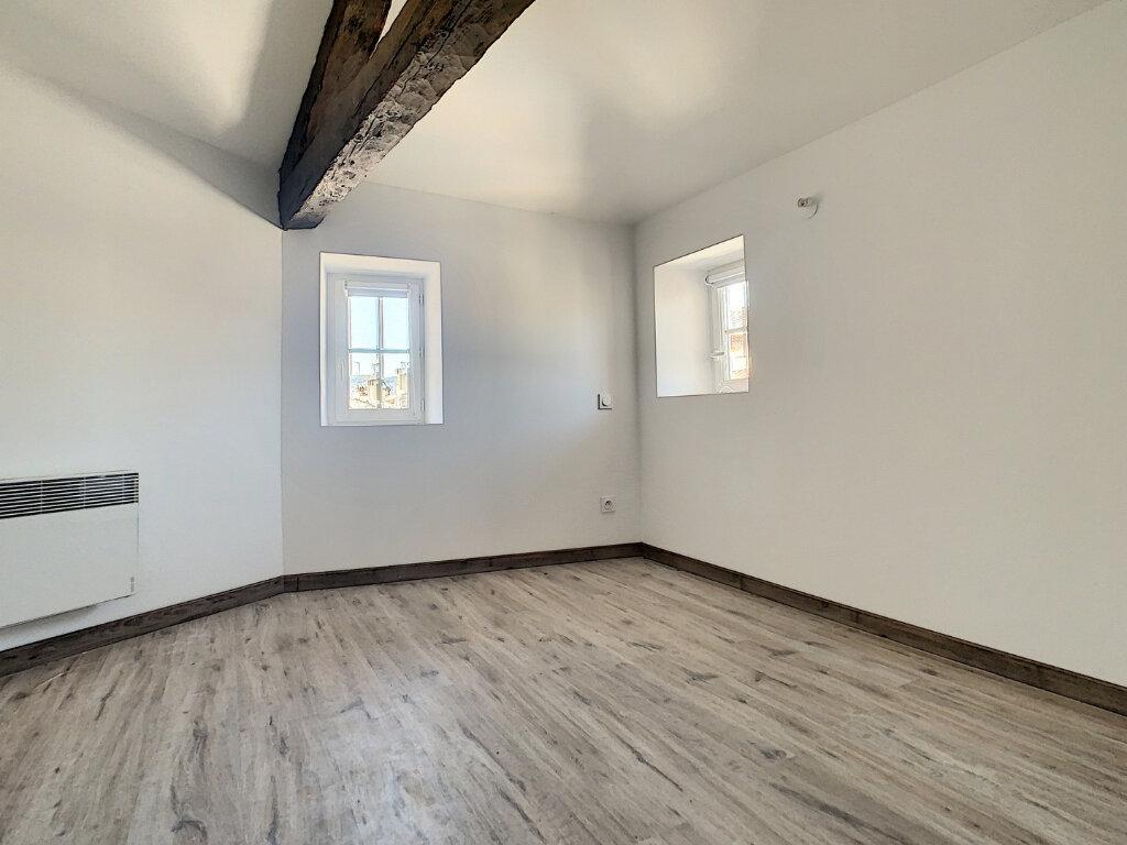 Appartement à louer 2 29.57m2 à Tournon-sur-Rhône vignette-2