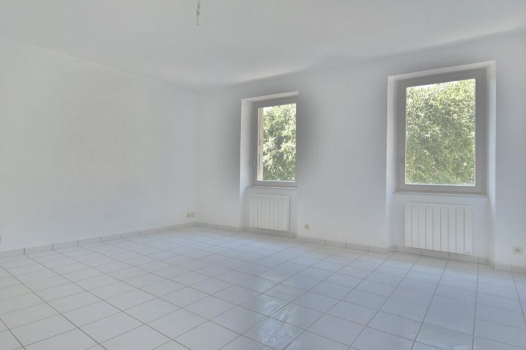 Appartement à louer 2 45.79m2 à Tournon-sur-Rhône vignette-1
