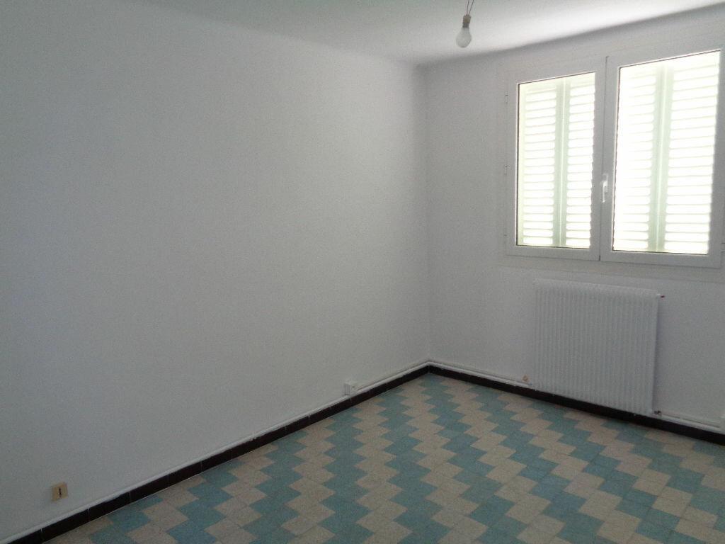 Appartement à louer 3 51.75m2 à Marseille 9 vignette-4