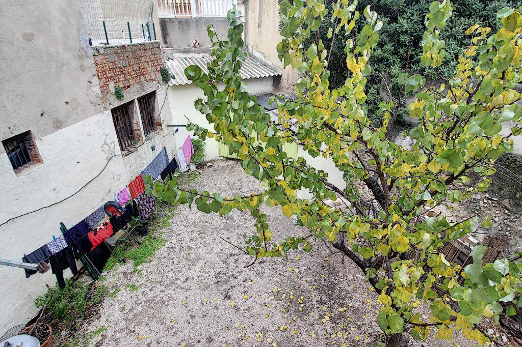 Appartement à vendre 4 75m2 à Marseille 9 vignette-2