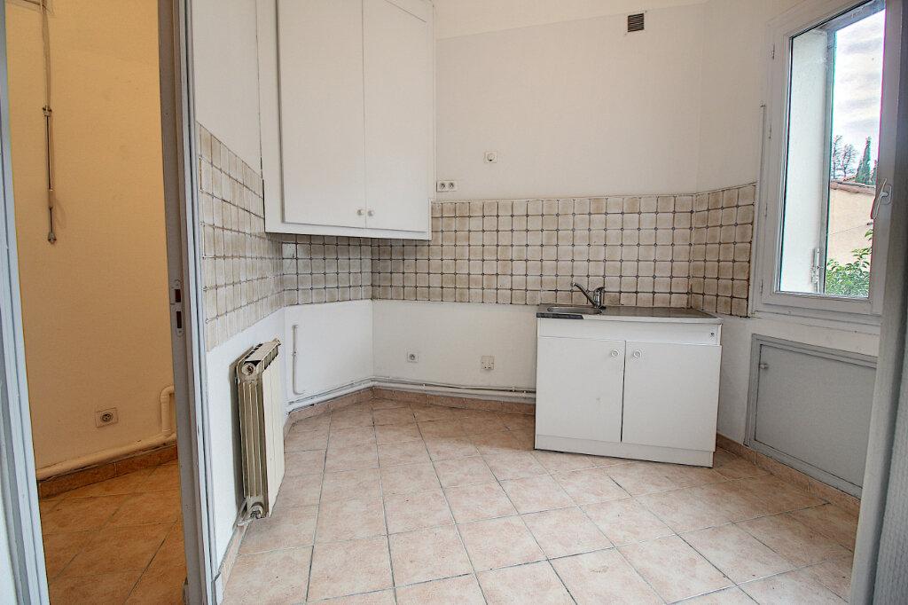 Appartement à vendre 4 75m2 à Marseille 9 vignette-3