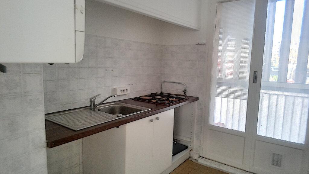 Appartement à vendre 3 60m2 à Marseille 9 vignette-2