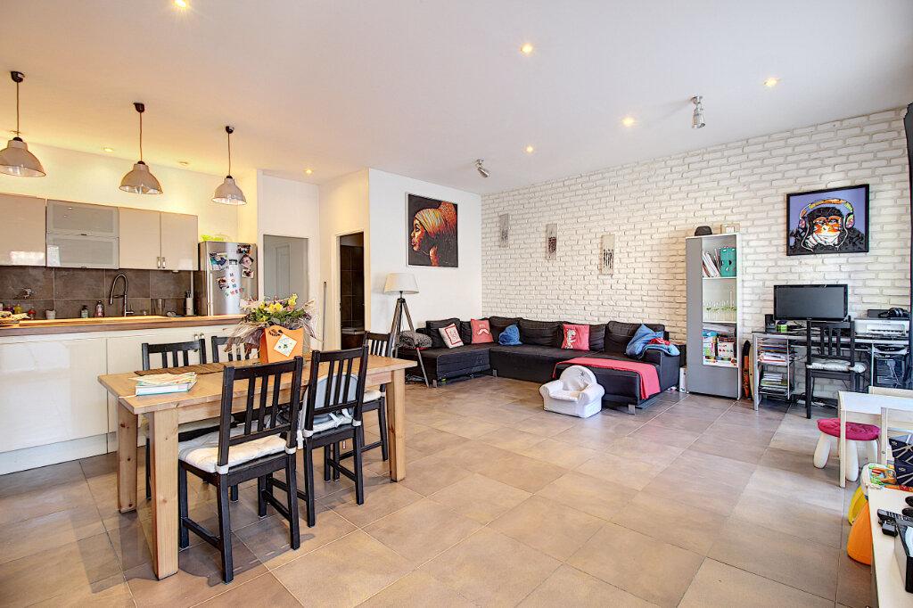 Appartement à vendre 3 73m2 à Marseille 8 vignette-1