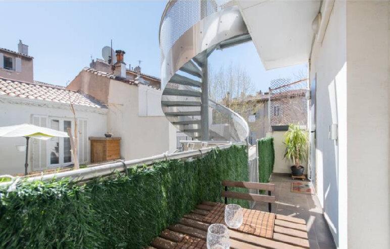 Appartement à vendre 3 73m2 à Marseille 8 vignette-2