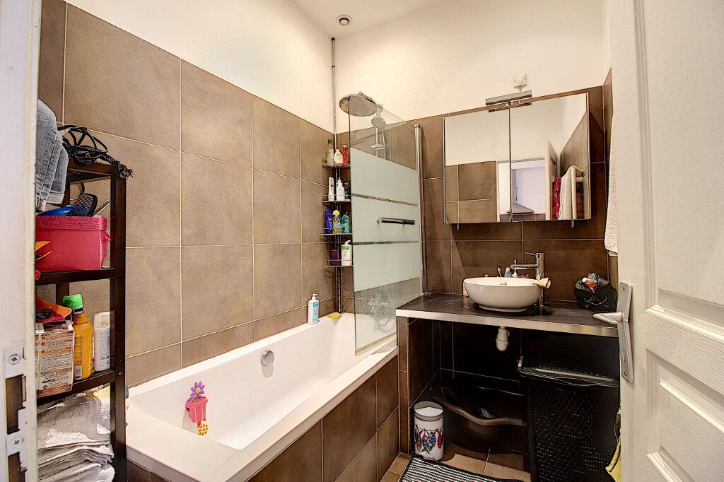 Appartement à vendre 3 73m2 à Marseille 8 vignette-5