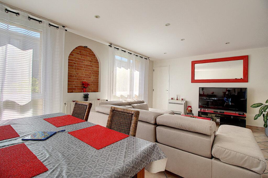 Appartement à vendre 4 68m2 à Marseille 9 vignette-2