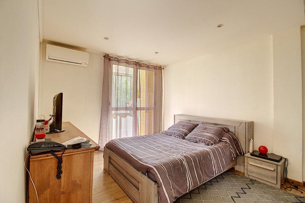 Appartement à vendre 4 68m2 à Marseille 9 vignette-5
