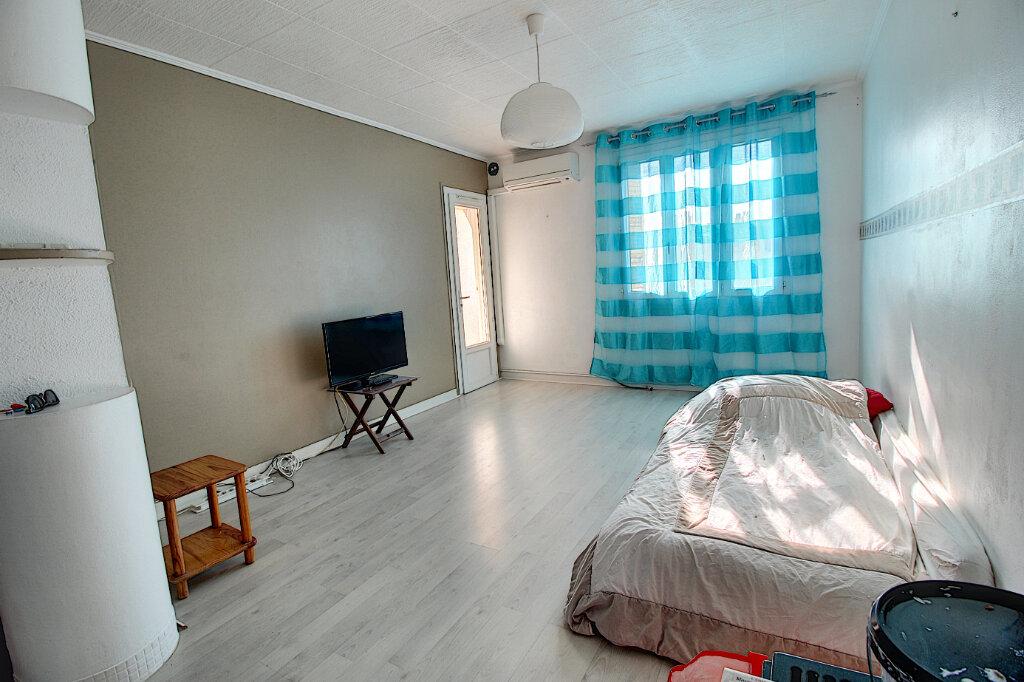 Appartement à vendre 3 58.05m2 à Marseille 9 vignette-2