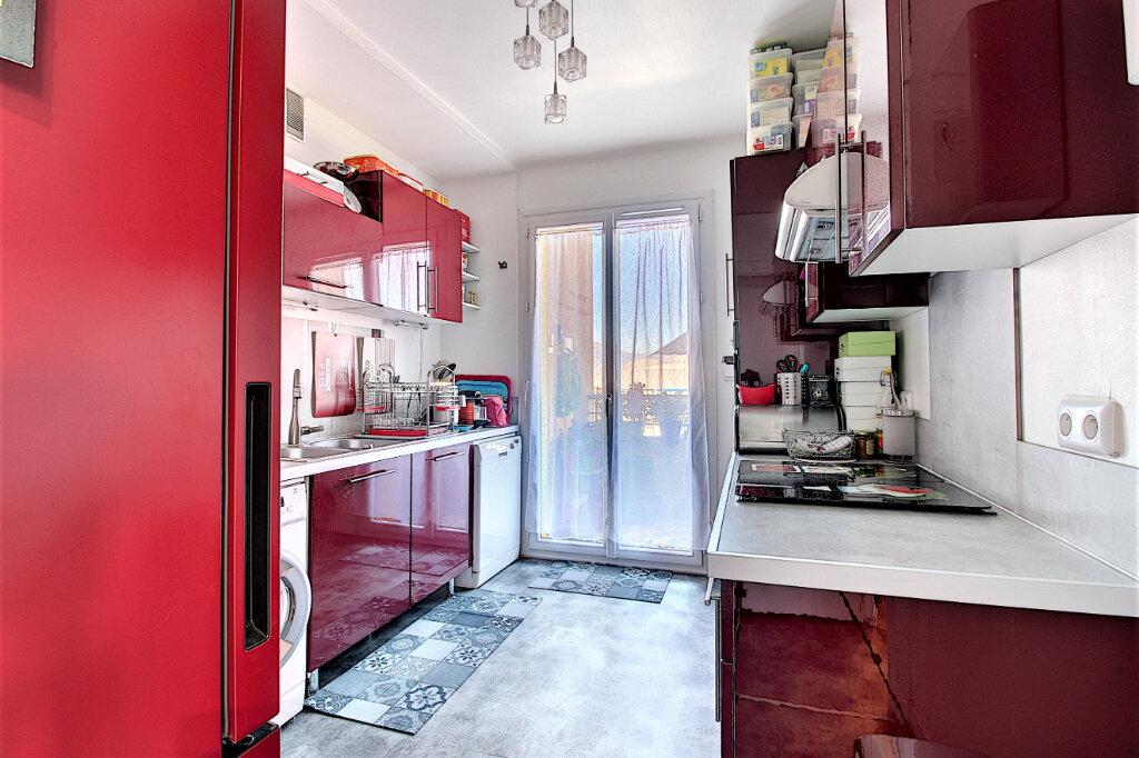Appartement à vendre 4 90m2 à Marseille 9 vignette-3