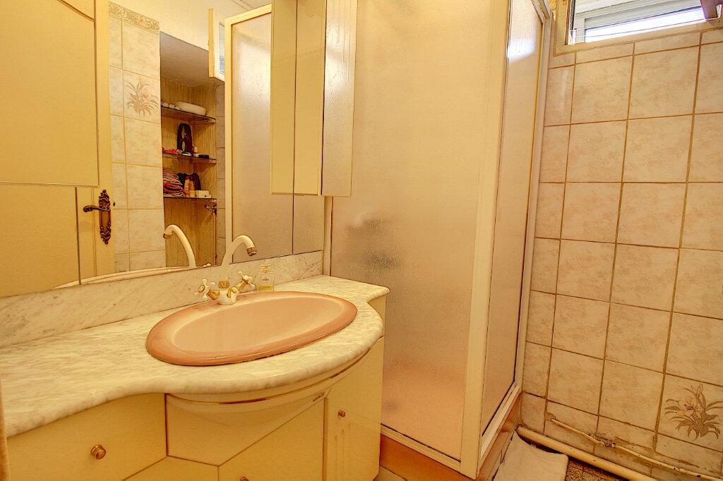 Appartement à vendre 3 56m2 à Marseille 9 vignette-4