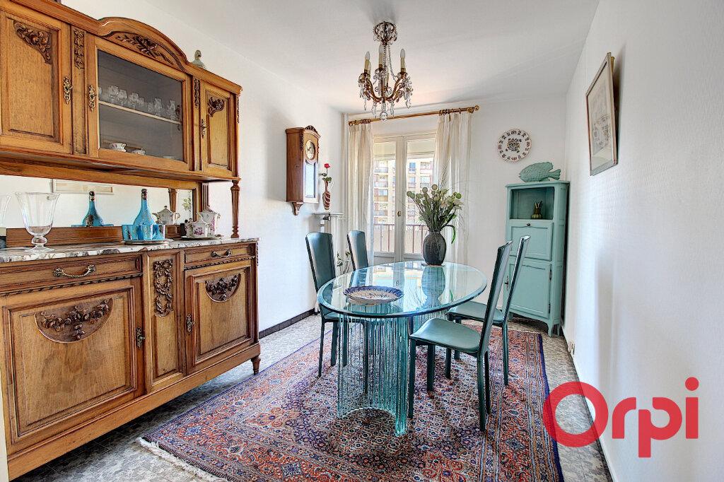 Appartement à louer 4 75m2 à Marseille 9 vignette-1