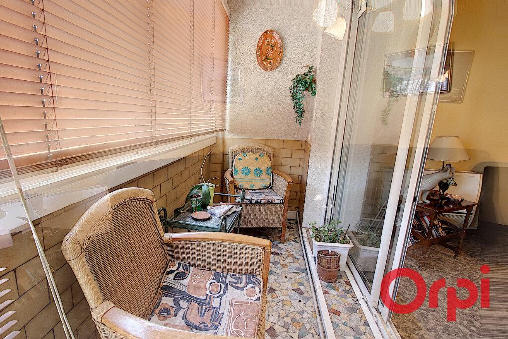 Appartement à louer 4 75m2 à Marseille 9 vignette-2