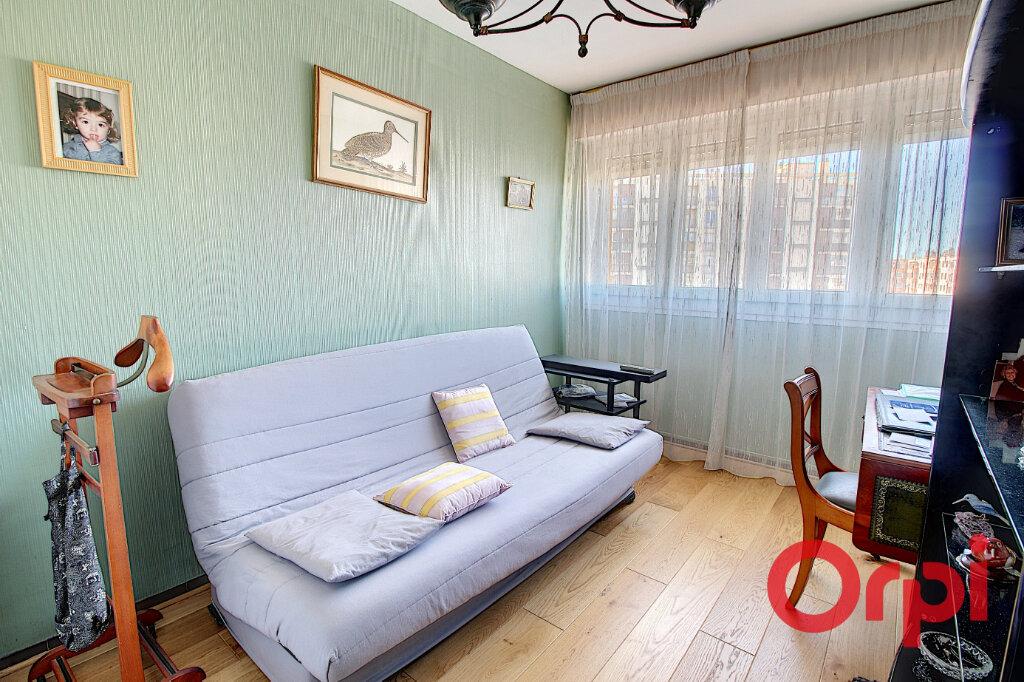 Appartement à louer 4 75m2 à Marseille 9 vignette-4