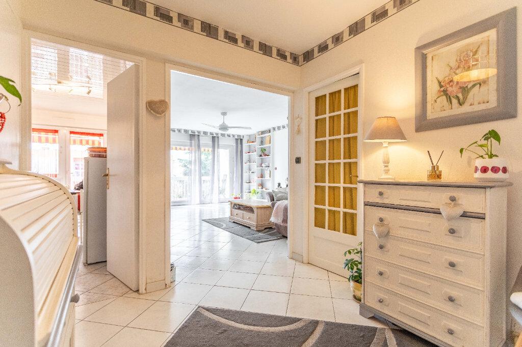 Appartement à vendre 4 90m2 à Marseille 9 vignette-2