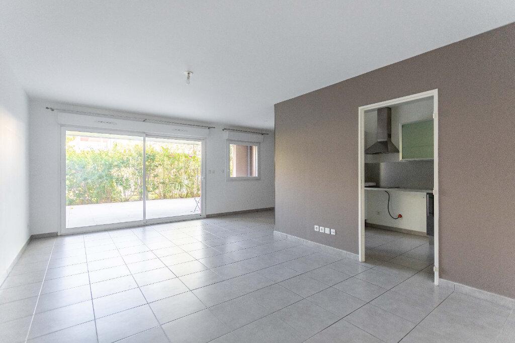 Appartement à vendre 3 70.67m2 à Marseille 9 vignette-2