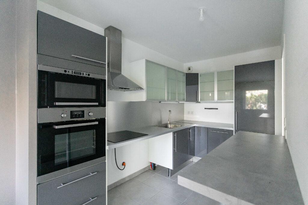 Appartement à vendre 3 70.67m2 à Marseille 9 vignette-3