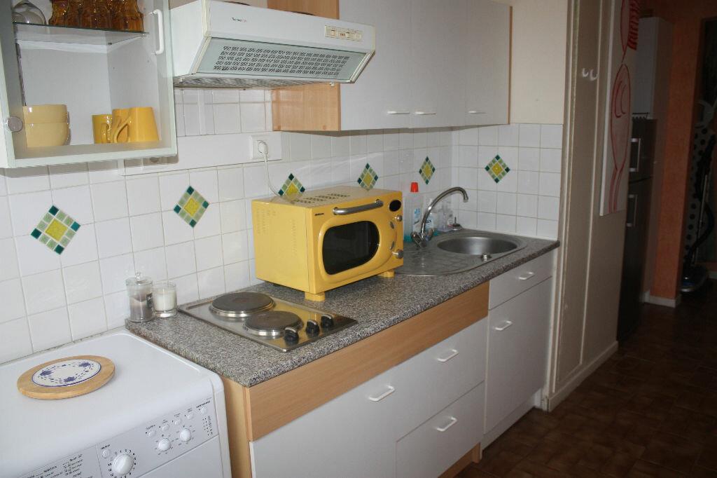 Appartement à vendre 1 43m2 à Langres vignette-2