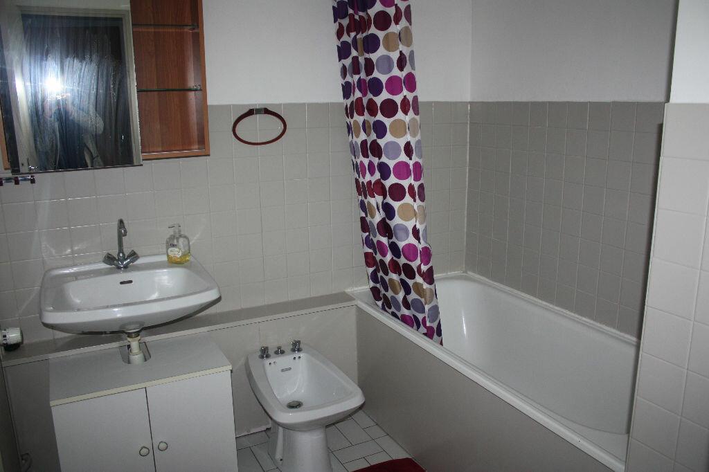 Appartement à vendre 1 43m2 à Langres vignette-3