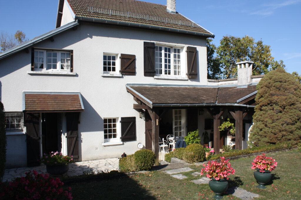 Maison à vendre 6 130m2 à Chalindrey vignette-1