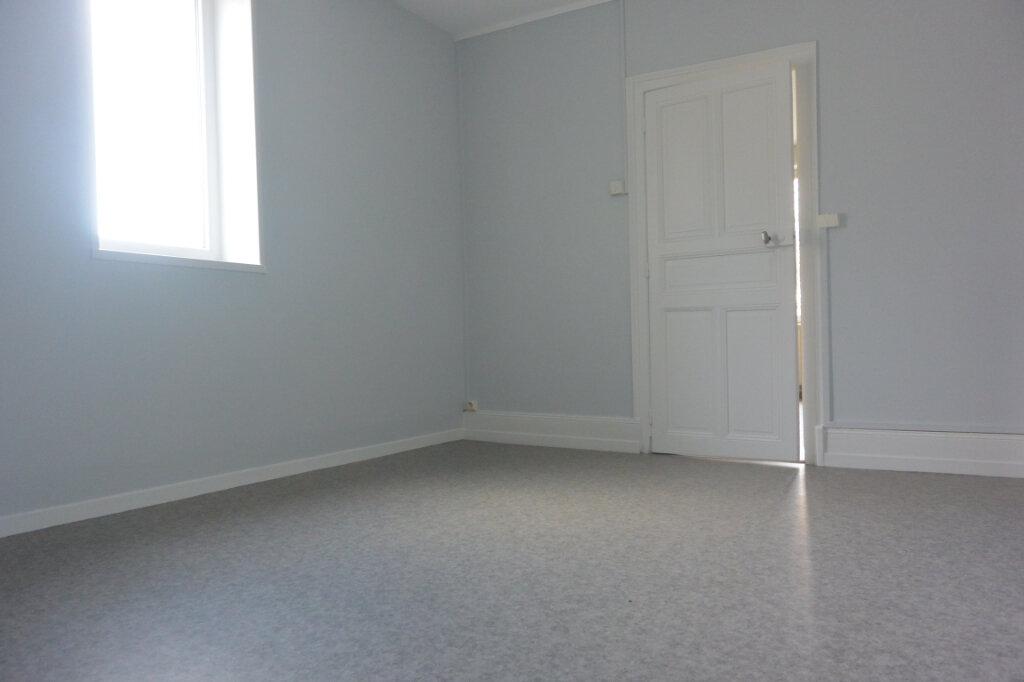 Appartement à louer 2 44m2 à Chalindrey vignette-1