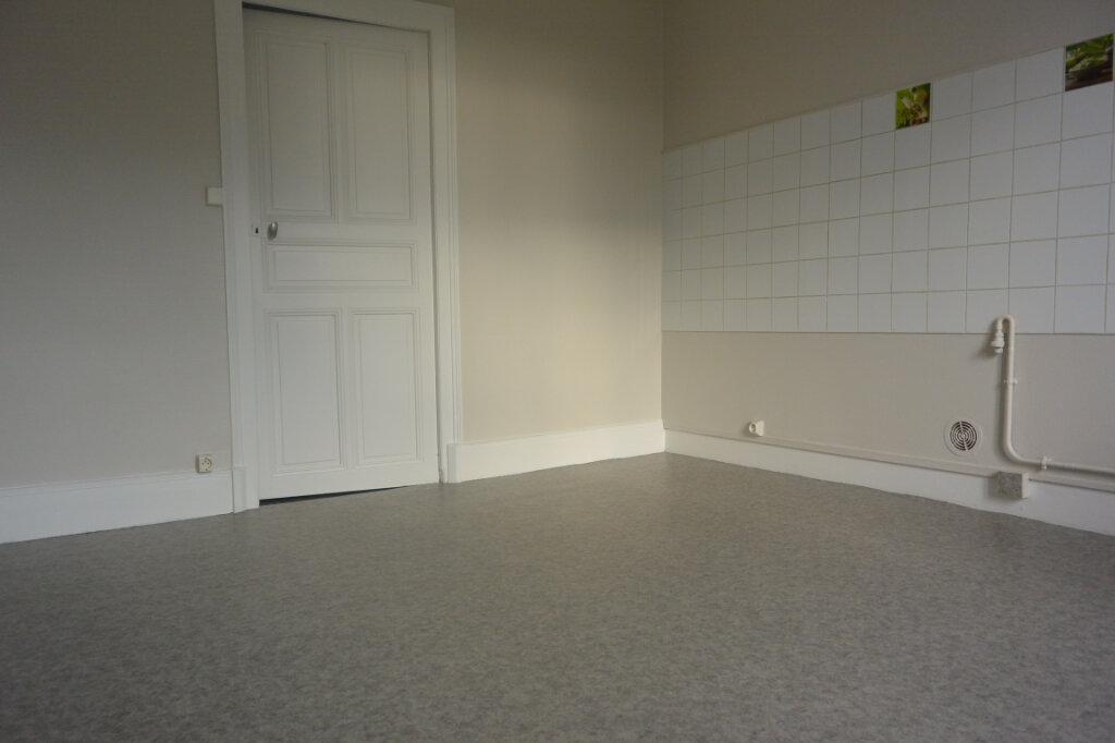 Appartement à louer 2 44m2 à Chalindrey vignette-2