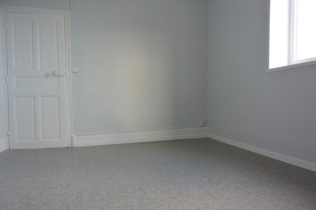 Appartement à louer 2 44m2 à Chalindrey vignette-3