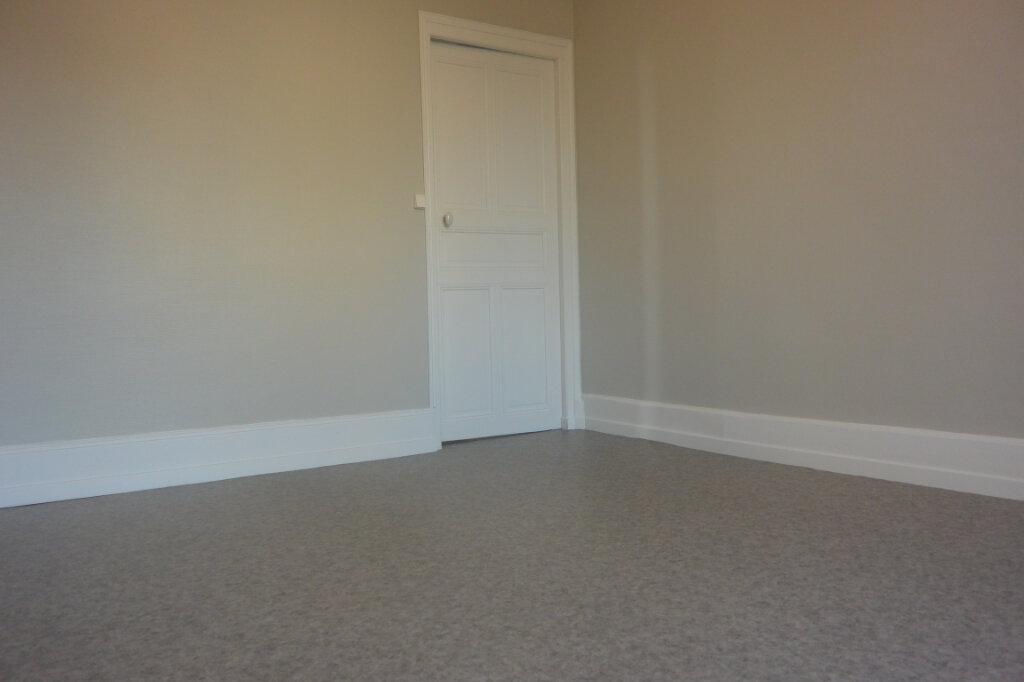 Appartement à louer 2 44m2 à Chalindrey vignette-4
