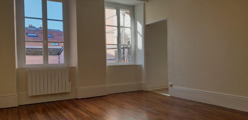 Appartement à louer 3 71m2 à Chaumont vignette-4