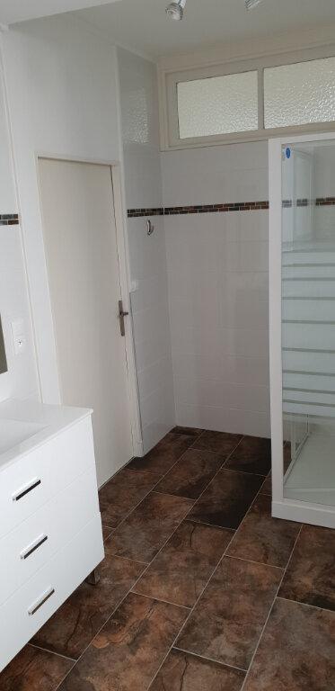 Appartement à louer 3 71m2 à Chaumont vignette-5