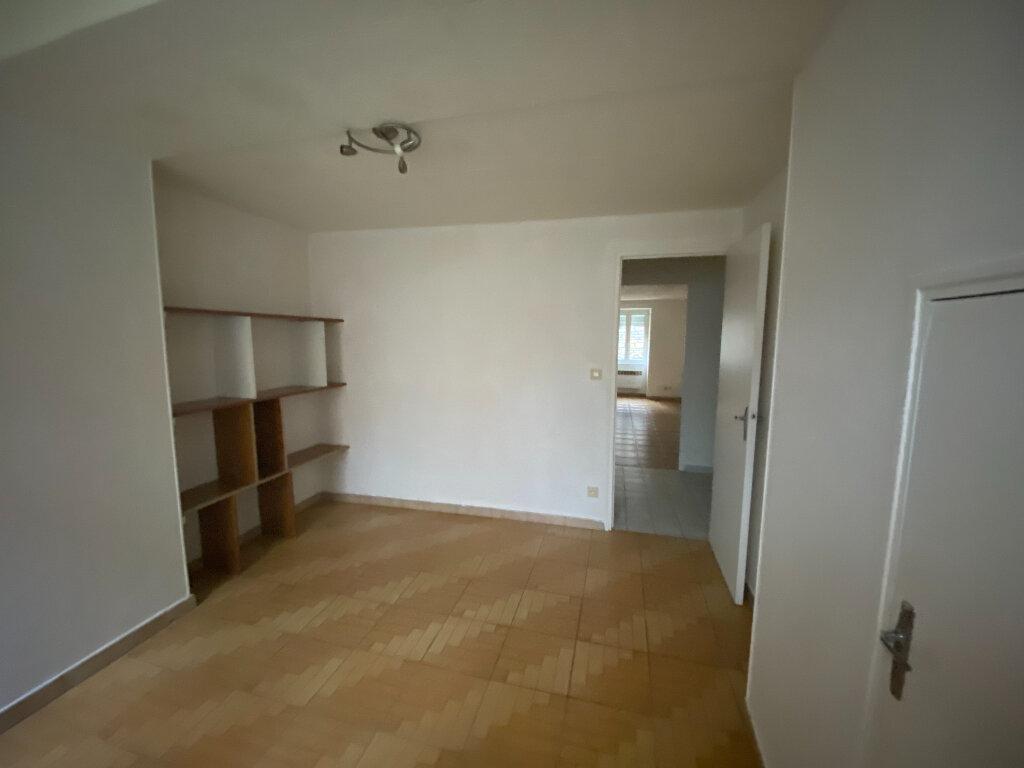 Appartement à louer 2 41m2 à Langres vignette-3