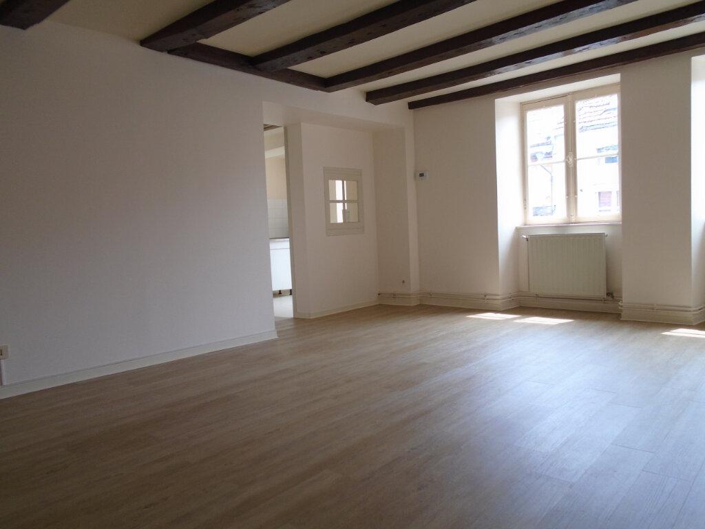 Appartement à louer 4 75m2 à Langres vignette-1