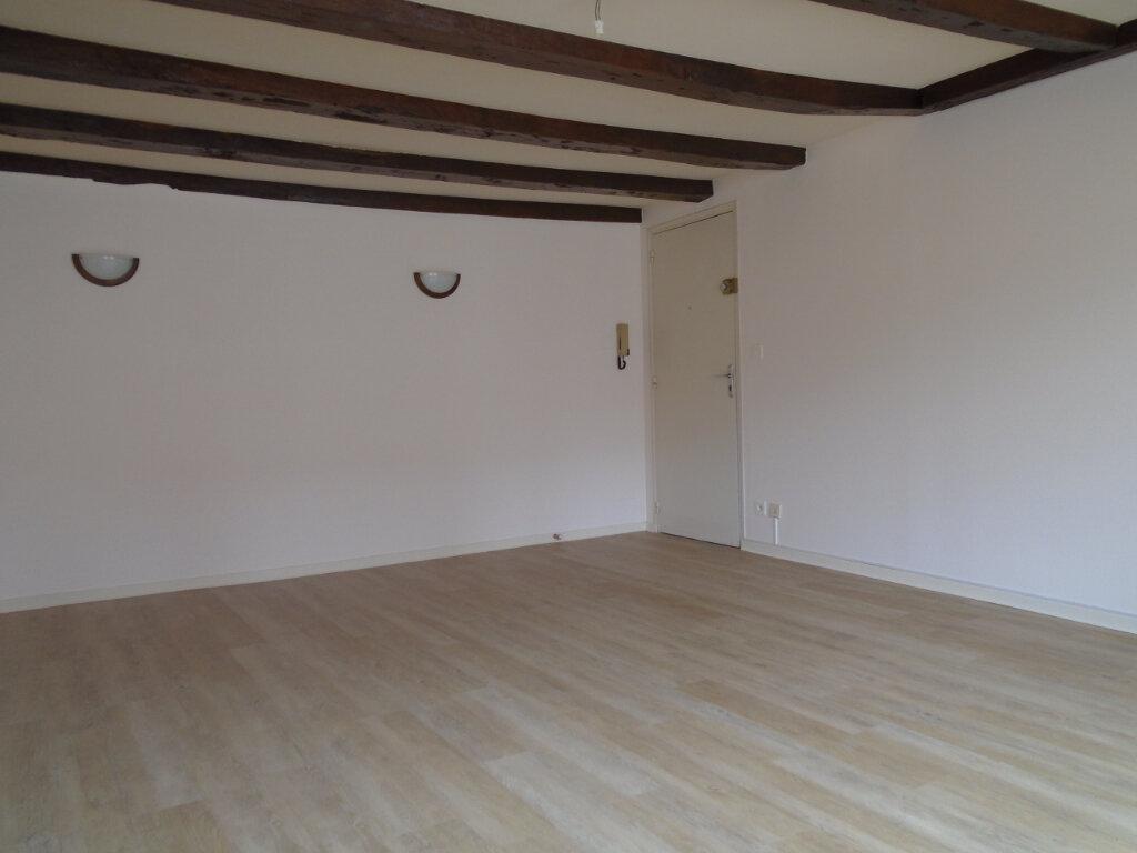 Appartement à louer 4 75m2 à Langres vignette-2