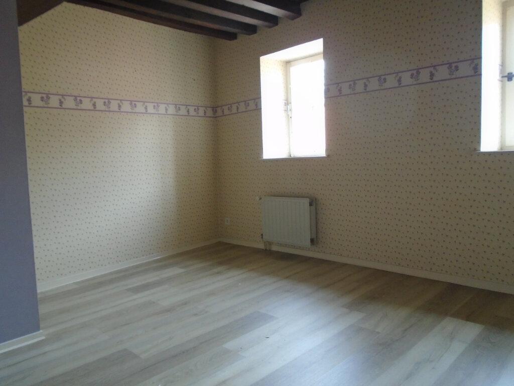 Appartement à louer 4 75m2 à Langres vignette-3