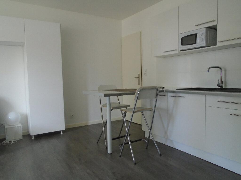 Appartement à louer 1 22m2 à Chaumont vignette-3
