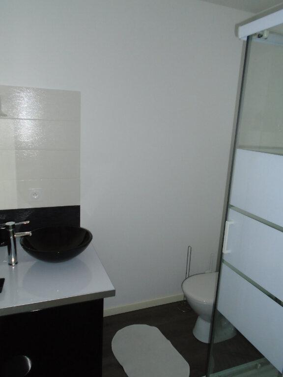 Appartement à louer 1 22m2 à Chaumont vignette-5