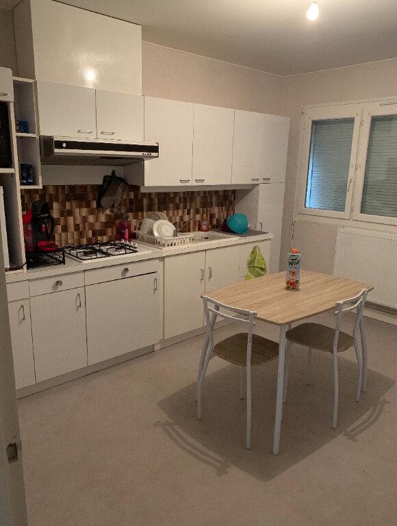 Appartement à louer 3 64m2 à Chalindrey vignette-3