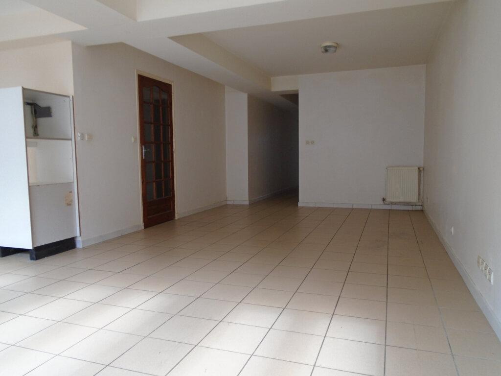 Appartement à louer 3 63m2 à Nogent vignette-1