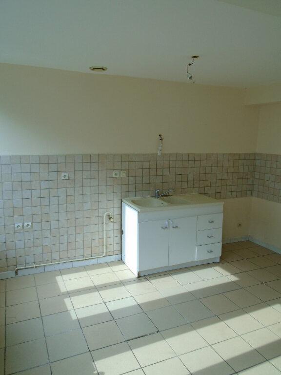 Appartement à louer 3 63m2 à Nogent vignette-2