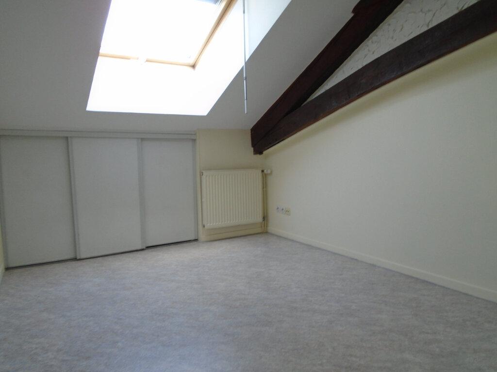 Appartement à louer 3 84m2 à Nogent vignette-6