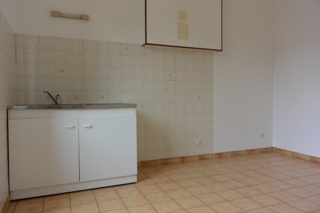 Appartement à louer 3 70m2 à Rolampont vignette-1